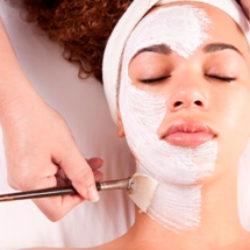 Лечение прыщей: гликолевый пилинг и другие средства ухода за кожей